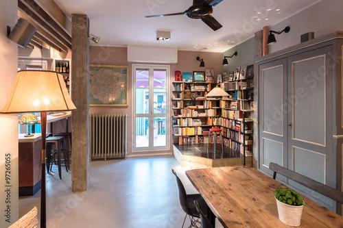 Appartamento Ristrutturato Con Gusto Vintage E Di Tendenza Vista Salotto