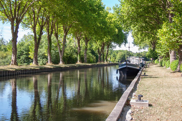 Canvas Prints Channel Le canal de Briare, Rogny les sept écluses, Yonne, Bourgogne