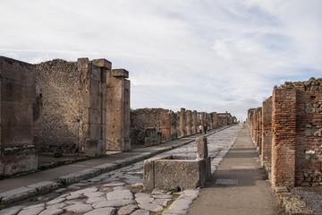 Restos arqueologícos de la antigua ciudad romana de Pompeya, Italia