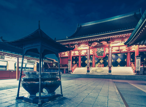 Night view of Tokyo senso ji asakusa temple