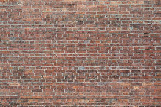 赤いレンガ造りの壁