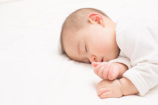 赤ちゃん・手のクローズアップ