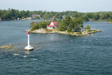 Kleine Insel mit Haus