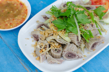 pork chitterlings boil with spicy sauce