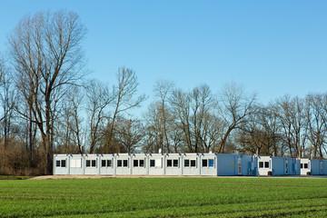 Container Dorf für Flüchtlinge auf dem Land
