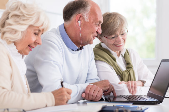 Computer course for senior people