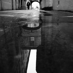 Reflet sur l'eau rue Menestrier à Lyon