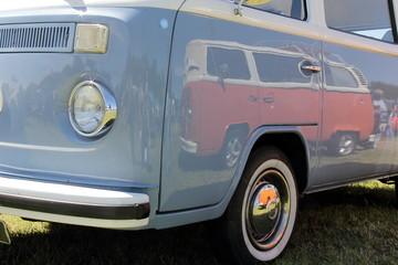 Oldtimer Volkswagen peace bus
