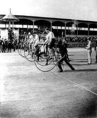 Bicycle Race 1890 High Wheeler Penny Farthing, guys on bikes racing