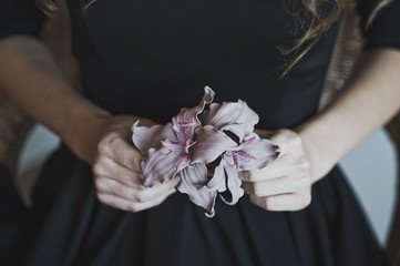 The flower on the dress as decoration 4476.
