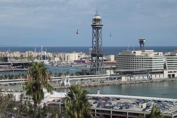 Barcelona, Blick vom Montjuic zum Hafenbezirk mit der Seilbahn