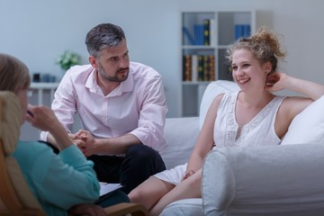 Man and woman on marital therapy