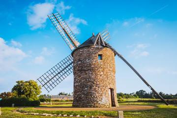Spoed Fotobehang Molens Dol de Bretagne windmill Brittany France