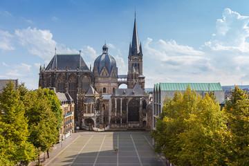 Aachener Dom im Sommer Fototapete