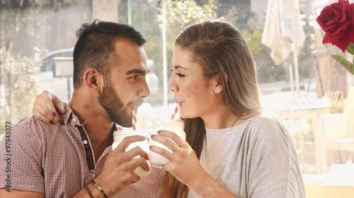Cafe russisk dating en milliard dollar industrien over.