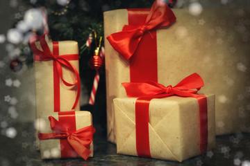 many family Christmas gift