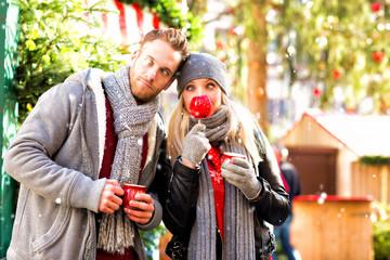 Spaß auf dem Weihnachtsmarkt