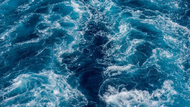 sillage en mer