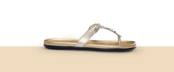 Gold style daily flip flops