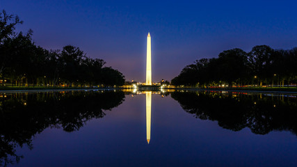 Fototapete - Washington Monument at Night