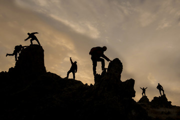 kayalıklarda tırmanış ekibi