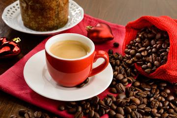 Caffè espresso con ambientazione natalizia