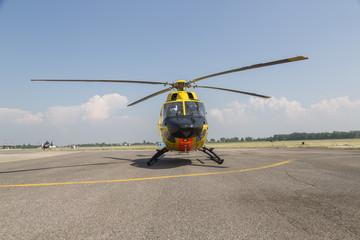 Foto auf Leinwand Hubschrauber rescue helicopter on the ground in airport