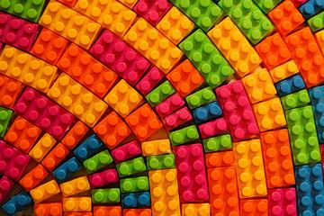 Plastic block toy in random pattern