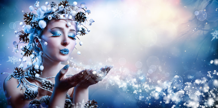 Winter Wish - Model Fashion Blowing Snowflakes