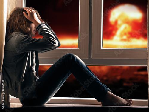 Девушка сидит на лицо фото 531-781