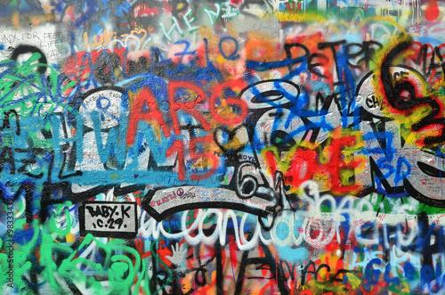 Wall sprayed with graffiti stockfotos und lizenzfreie bilder auf bild 98333439 - Graffiti zimmerwand ...