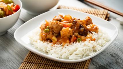 Reis mit süß-sauren Gemüse - rice with sweet and sour veggies