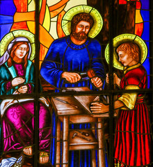 Fototapete - Stained Glass of the Holy Family in Madrid Cathedral