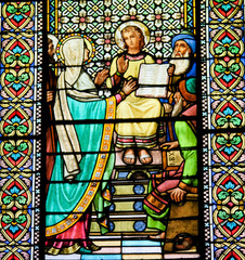 Fototapete - Stained Glass of The Finding of Jesus in the Temple of Jerusalem