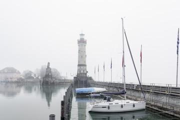 Lindauer Hafen im Nebel