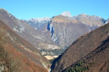 Erto ed il Vajont (visto dal sentiero verso il rif.Ditta)