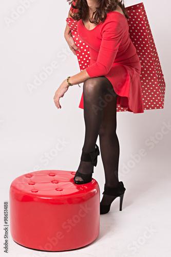 Con Mujer Bolsa Rojo Lunares Madura Vestida De trCdxQBsh