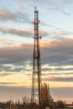 Kabellos verbunden mit Funkturm