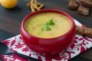 seasoned fish soup with lemon