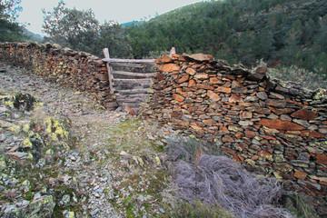 Wall Mural - Portera de huerto, Ovejuela, Hurdes, España