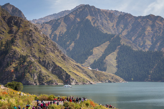Scenery of Heaven Lake, Tianshan Tianchi National Geopark