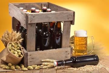 Bierkasten mit Bierglas