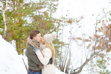 Dates kissing