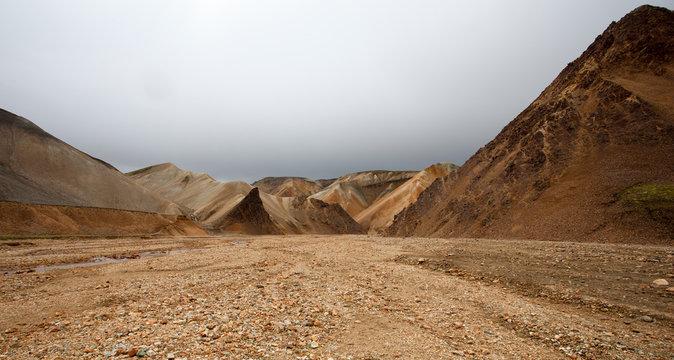 Paesaggio in Islanda, deserto di pietre e sassi