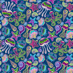 Vector hand drawn seamless pattern with jellyfish, shells, starfish, octopus and crabs. Ocean background
