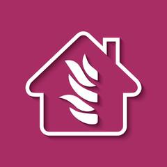 Logo maison et flamme.