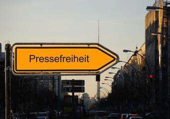 Strassenschild 37 - Pressefreiheit