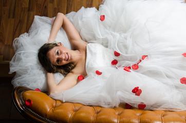 Sposa sul divano