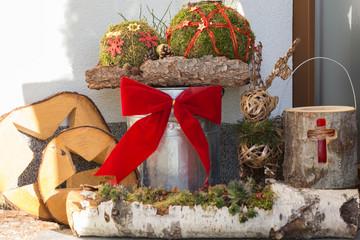 Bilder und videos suchen weihnachtliche dekoration - Dekoration hauseingang ...
