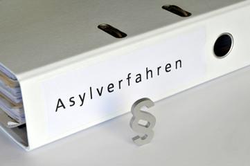 Asylverfahren, Asyl, Asylanten, Paragraph, Ordner, Recht, Einreise, Ausländer, Asylgesetz, Asylrecht, Abschiebung, Anerkennungsverfahren, Zuwanderung, Flüchtlinge, Asylmissbrauch, Justiz